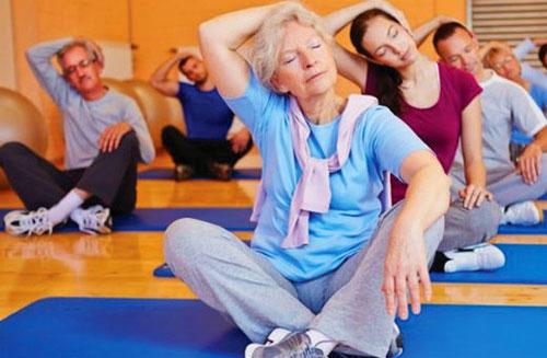 Khóa học Yoga dành tặng sinh nhật mẹ