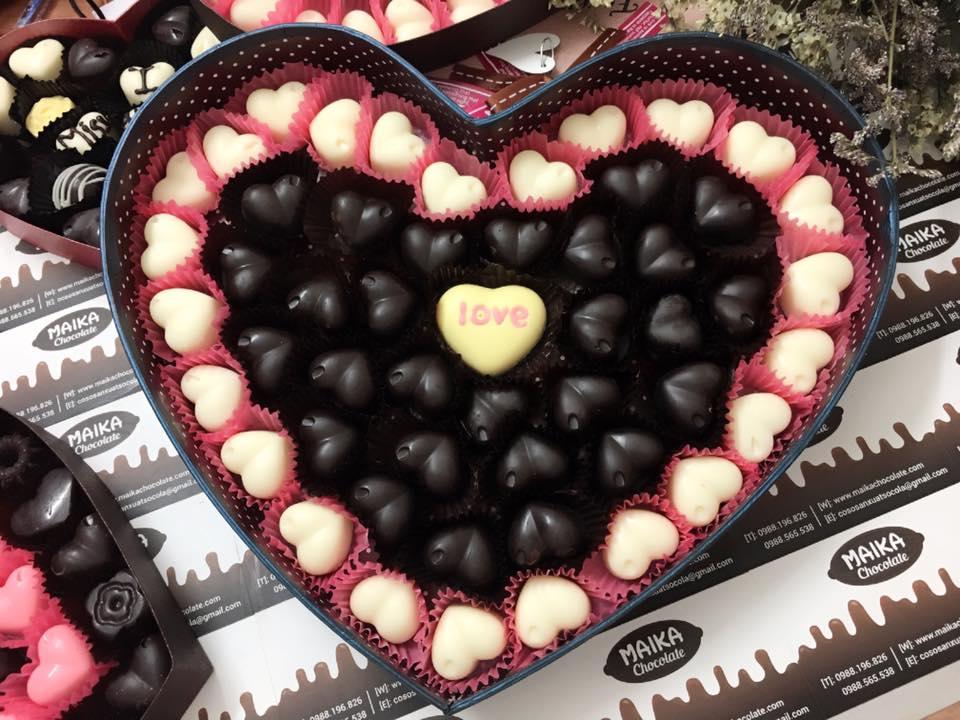 Một hộp socola lãng mạn