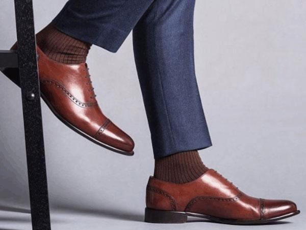 Giày da sang trọng