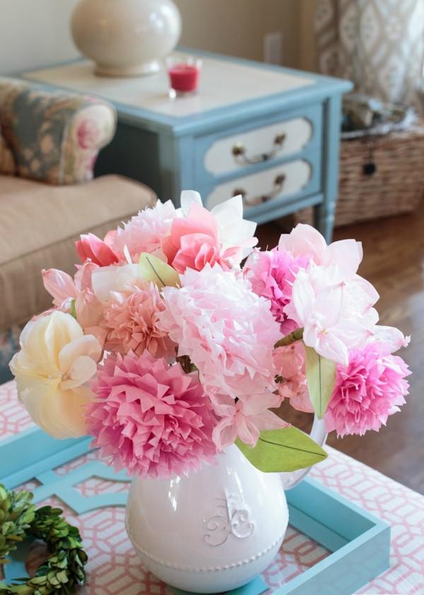 Bình hoa màu hồng mộng mơ