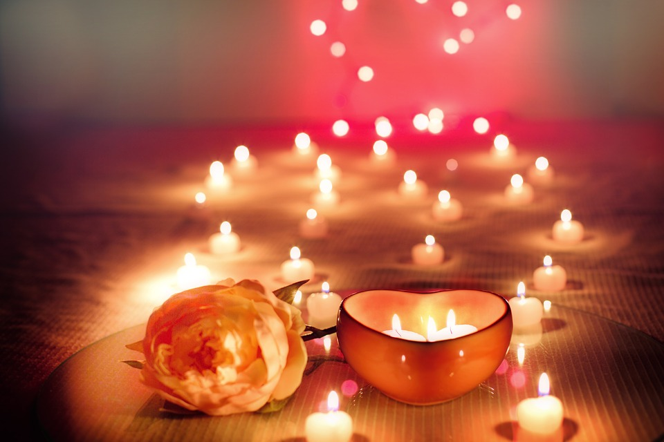 Nến valentine lung linh, huyền ảo