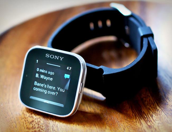 Hay một chiếc smartwatch