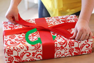 Hướng dẫn chi tiết cách thắt nơ quà tặng siêu đẹp