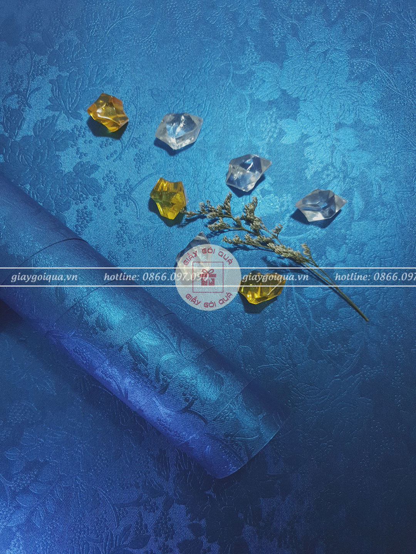Giấy gói quà, bọc quà cao cấp vân hoa nổi màu xanh dương
