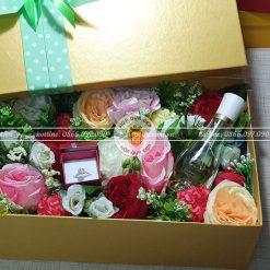 Hộp quà hoa hồng cỡ lớn HQ16 – Kích thước 30x20x10