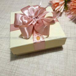 Hộp quà nhỏ đựng trang sức, khăn HQ13 – Kích thước 10x10x3