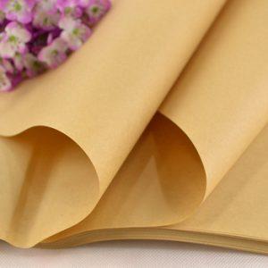 Gợi ý sử dụng giấy nâu gói quà cho những cô nàng thích sự đơn giản