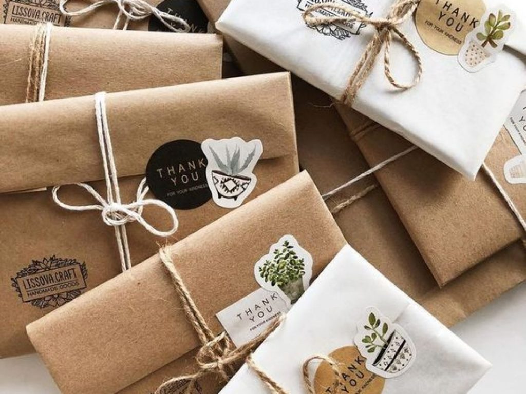 Sử giấy kraft để gói quà