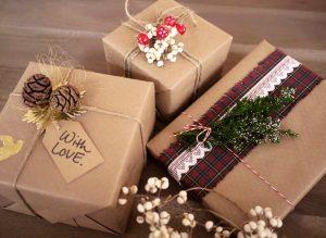 Tổng hợp 10+ cách gói quà sinh nhật đẹp - độc - lạ dành cho người yếu