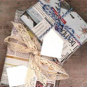 Cách gói quà bằng giấy báo đẹp mắt, dễ thực hiện