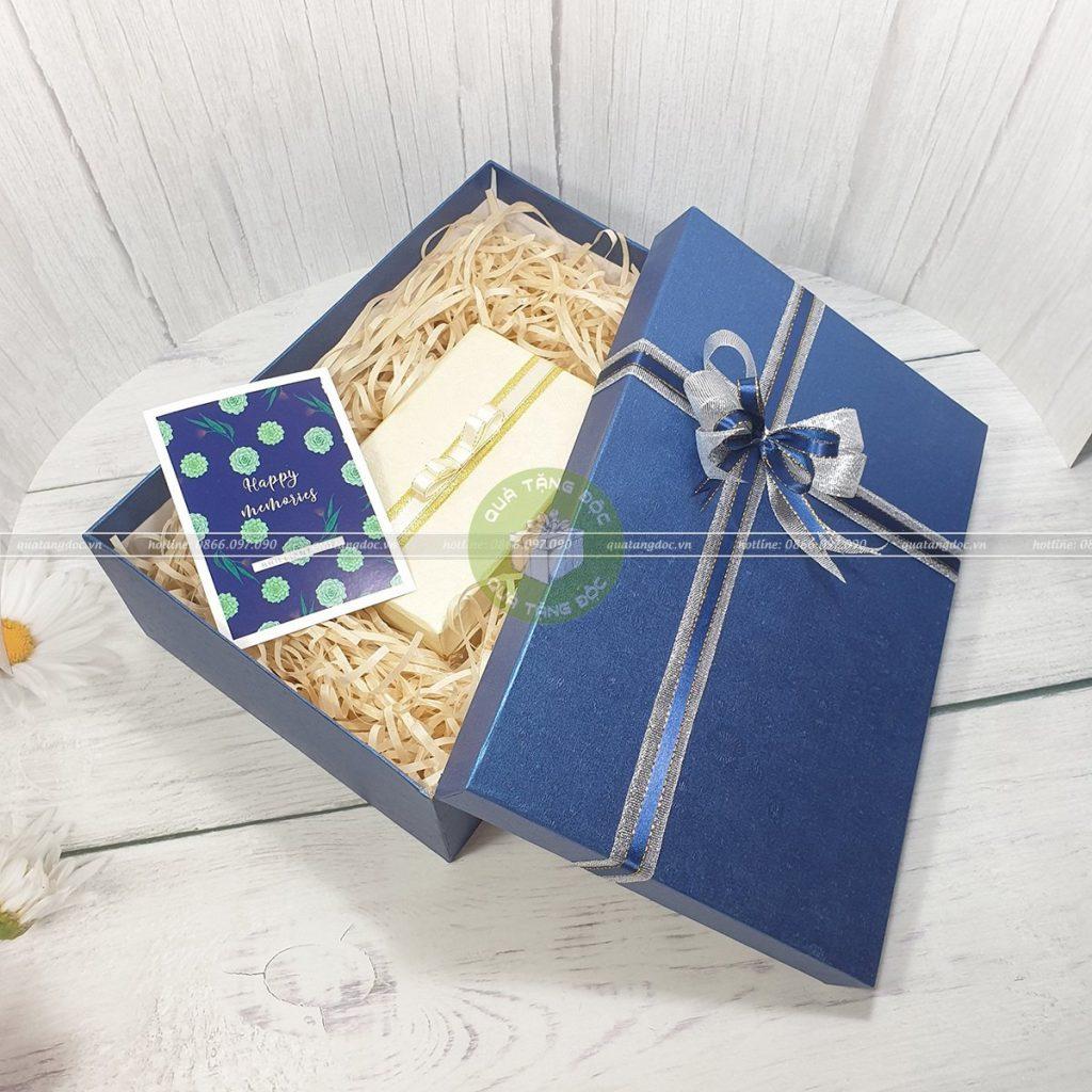 Hộp quà tặng người yêu 30x20x10cm – HQ30