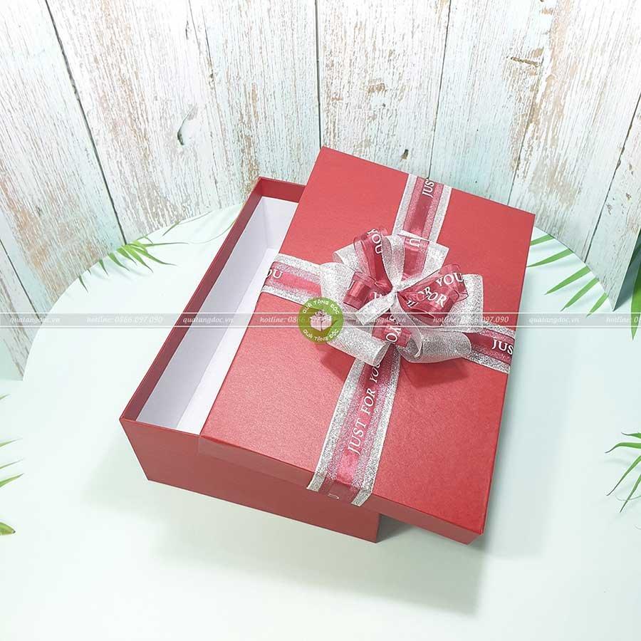 Hộp quà tặng chữ nhật size lớn 30x20x10cm – HQ26